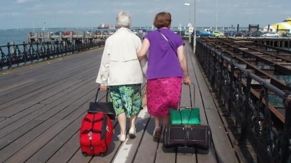 La Polonia riduce l'età pensionabile a 65 anni per gli uomini e 60  le donne