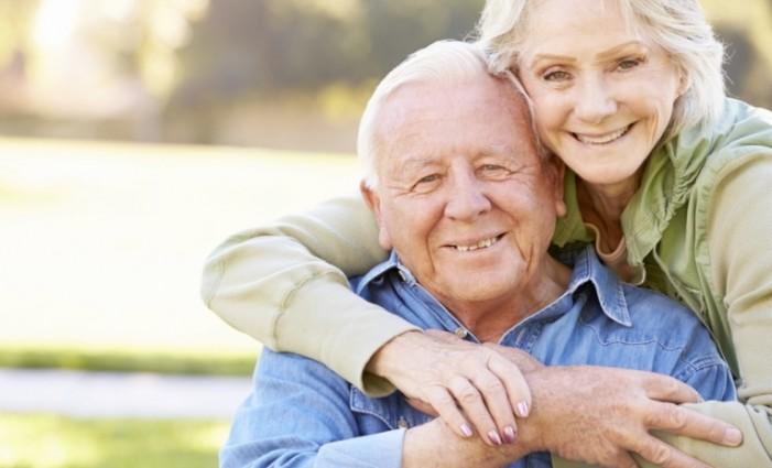Pensioni: sindacati, bloccare aumento età. Uscita anticipata di 3 anni per le mamme
