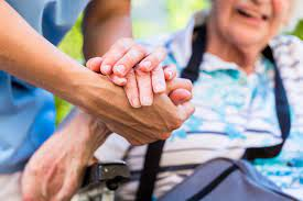 Emergenza anziani: una sfida da affrontare subito
